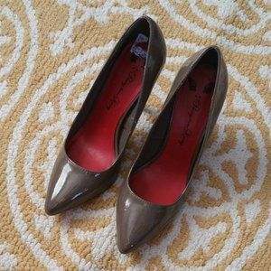 Penny Loves Kenny Point Toe Heels Size 7.5M